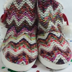 Cat & Jack - Paisley Slippers - Knitted
